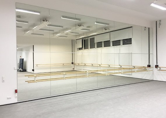 dubbele ballet spiegels wand
