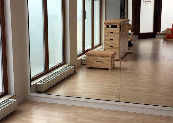 spiegel wand f r tanz ballett fitness oder gymnastik. Black Bedroom Furniture Sets. Home Design Ideas